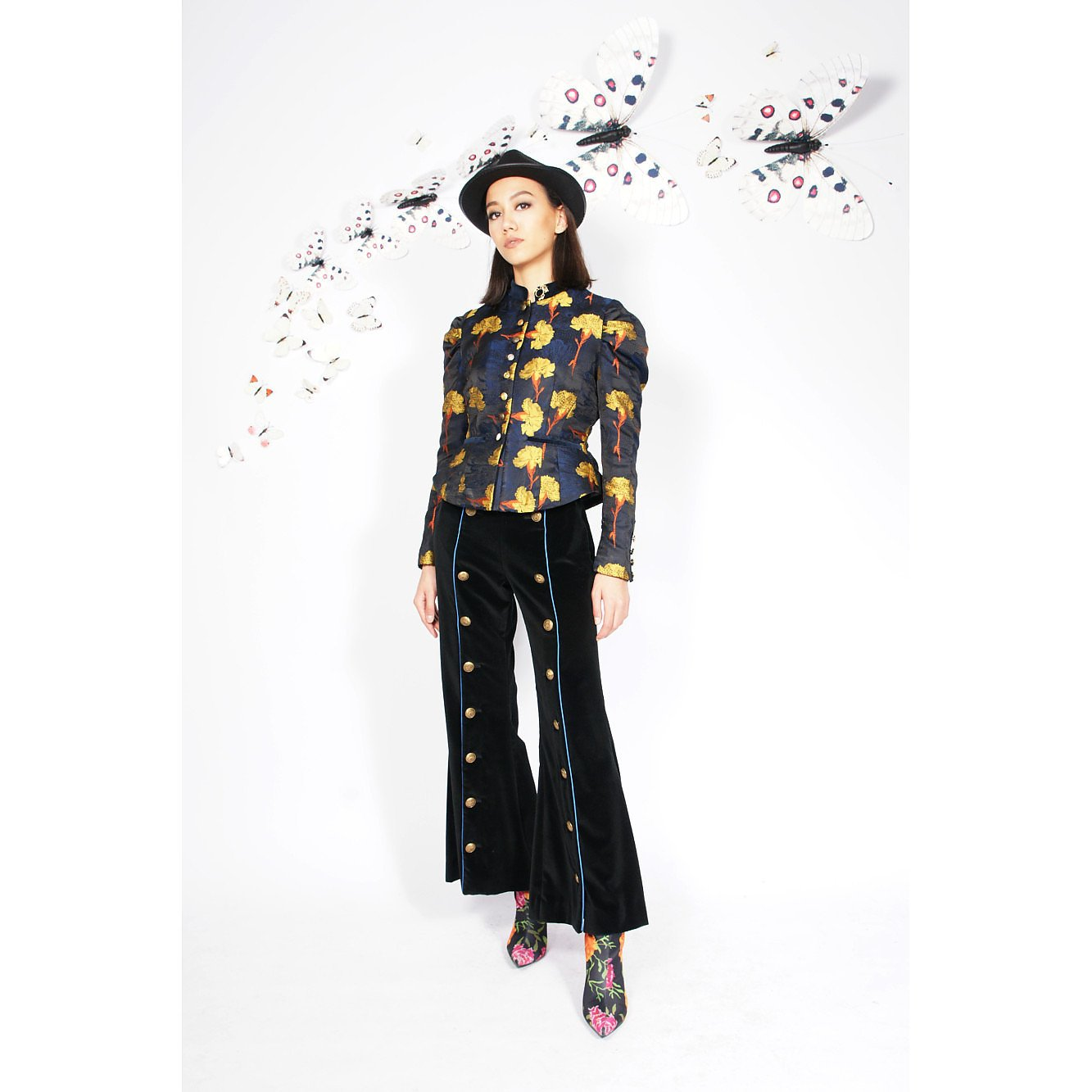 Syra J Velvet Trousers With Buttons