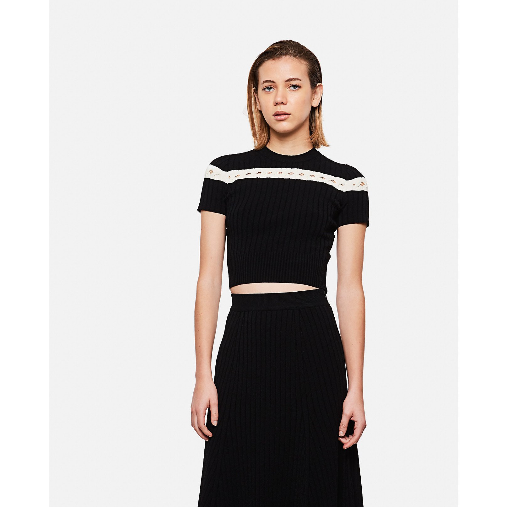 Alexander McQueen Short Sleeved Rib-Knit Cropped Sweater
